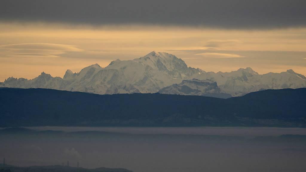 Skifahrer von Lawine am Mont Blanc verschüttet - zwei Tote