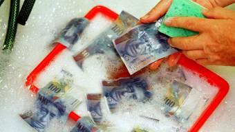 Geldwäscherei: 3,3 Milliarden Franken oder 1753 Verdachtsmeldungen im Jahr 2014. (Symbolbild)