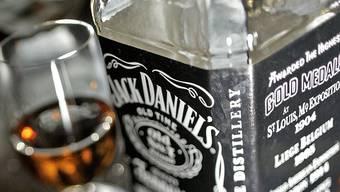 Ohne den Ausweis vorzuweisen einen Whisky kaufen? Für Patrick Züst kein Problem. (Symbolbild)