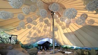 Micha Areggers Installation «Eisflocken» im Gleterschergarten Luzern