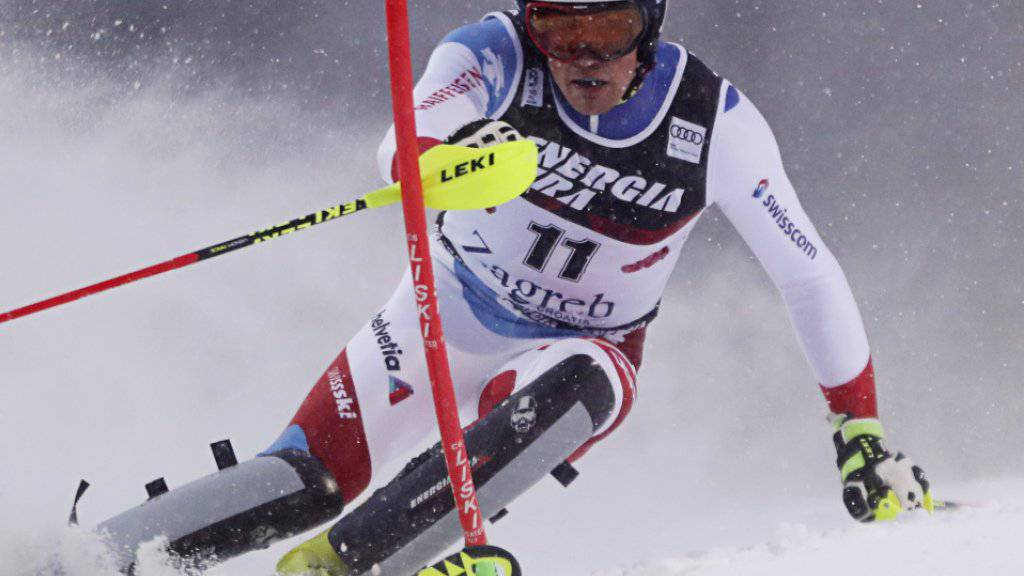 Daniel Yule kämpft sich durch den Schnee