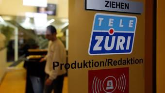 Roger Schawinski wartn Tamedia davo, Tele Züri an Christoph Blocher zu verkaufen.  (Foto: Keystone)