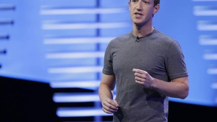 Facebook-Chef Mark Zuckerberg will 3000 zusätzliche Kontrolleure anstellen (Archiv)