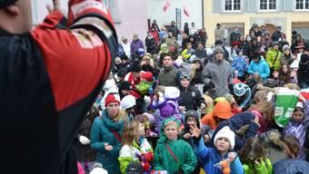 Das «Usrüere» am Fasnachtsdienstag hat zahlreiche Kindern in die Bremgarter Altstadt gelockt.
