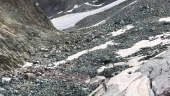 Auf dem Allalingletscher (im Bild) ist eine 58-jährige Alpinistin in eine Gletscherspalte gestürzt und ums Leben gekommen.