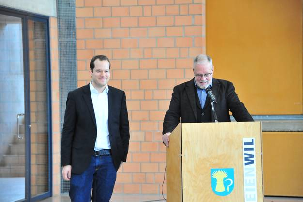 Gemeindeammann Robert Müller stellte den neuen Gemeindeschreiber Manuel Brunner (l.) vor. Er tritt seinen Job am 1. Februar an.