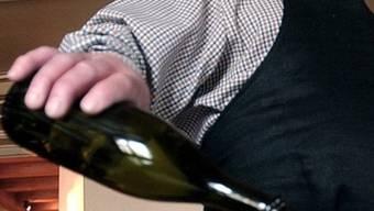 Fatale Verwechslung mit einer nicht gekennzeichneten Flasche mit Putzmittel (Symbolbild)