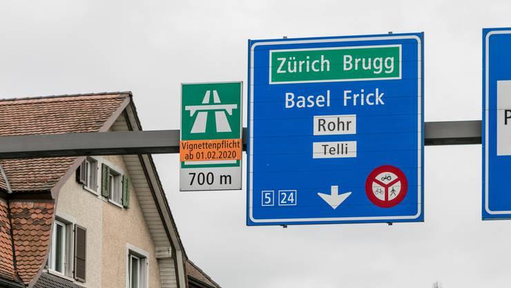Ab morgen gilt Vignettenpflicht auf dem Autobahnzubringer Aarau – und der Bund trägt alle Kosten für den Unterhalt.