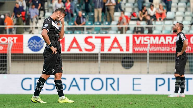 Die Mannschaft von Lugano spielt derzeit schlecht, die Zuschauer laufen davon.