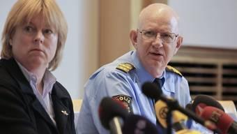 Die Behörden bei der Information über den Fall im Mai 2012