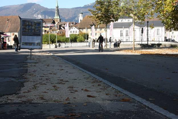 Seit Jahren waren die provisorischen Grienstreifen auf dem schönsten Platz von Solothurn ein Aergernis
