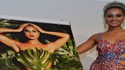 Djoa Strassburg, Umwelt-Miss-Schweiz, zeigt den neuen Kalender.zvg