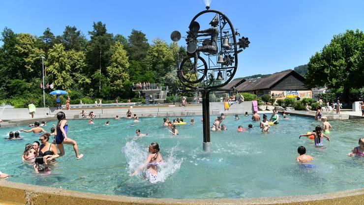 Bald kann im Schwimmbad Schönenwerd wieder geplanscht werden. (Archiv)