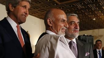 Kerry bei seinem letzten Treffen mit den beiden Kandidaten im Juli