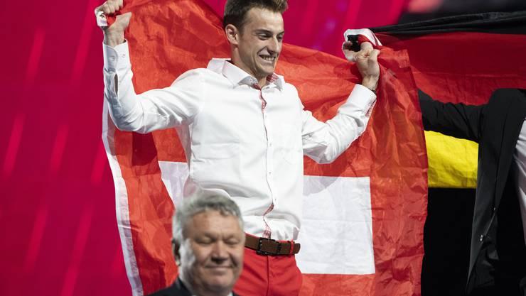 Plattenleger Renato Meier gewinnt die World Skills.