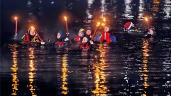 3. Fackelschwimmen der Flussrettungsschwimmer der Sektion Baden-Brugg der Schweizerischen Lebensrettungs-Gesellschaft (SLRG)