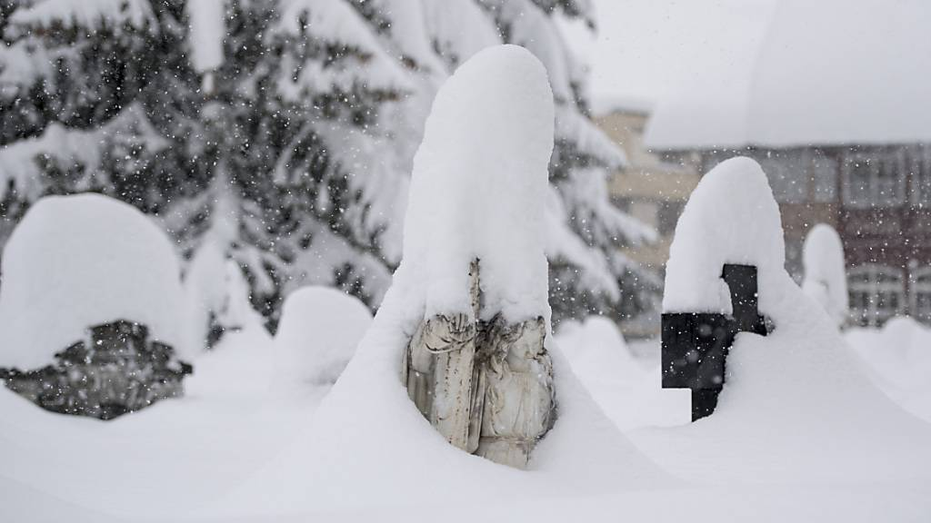 Weiterhin Übersterblichkeit bei älteren Zentralschweizern