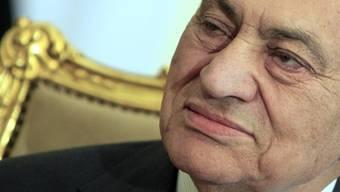 Der gestürzte ägyptische Präsident Husni Mubarak ist angeblich zu einem Deal bereit, um auf freien Fuss zu kommen.