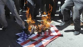 Die USA ziehen wegen der Proteste Botschaftspersonal aus einigen arabischen Ländern ab