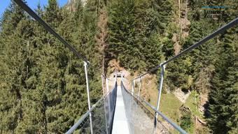 Am Freitag für die Wanderer freigegeben: ein Spaziergang über die neueste Hängebrücke der Schweiz.