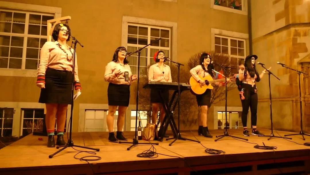 Solothurner Fasnacht: Die «Rampesöi» als Lehrerinnen am Höflisingen 2020