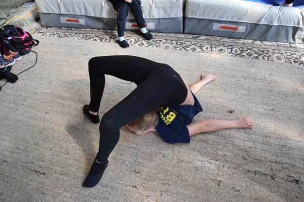 Der Zirkus Biber beschäftigt auch Schlangenfrauen.