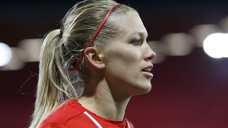 Die Schweizerin Lara Dickenmann verpasste mit ihren Nationalteam-Kolleginnen Ramona Bachmann und Vanessa Bernauer mit Wolfsburgs Frauen-Equipe den Sieg in der Champions League