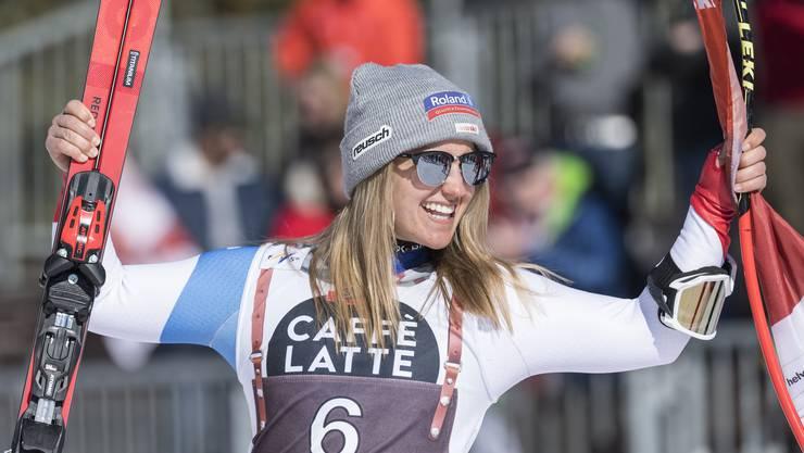 Die Schweizerin Joana Haehlen steht erstmals auf dem Podest: Sie holt Platz 2 bei der Abfahrt in Crans-Montana.
