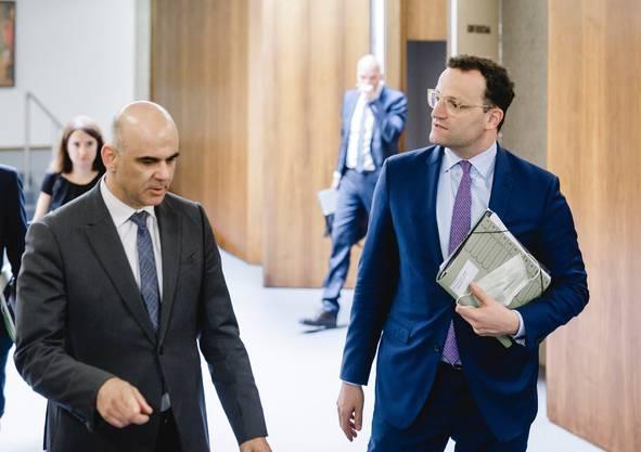 Alain Berset mit Jens Spahn in Genf.