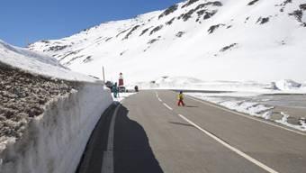 Ab Freitag rollt der Verkehr wieder über den Oberalppass (Archiv)