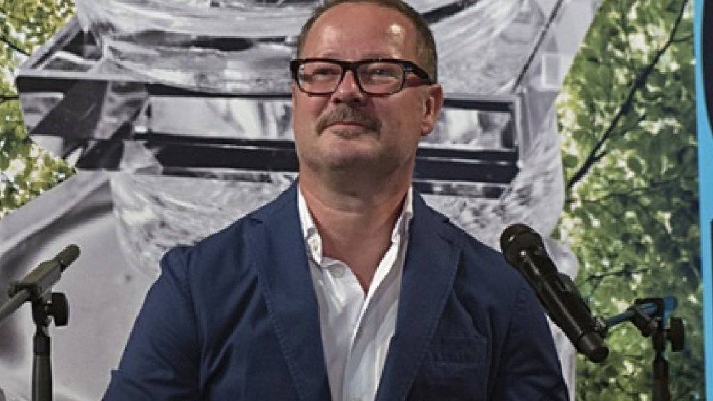 Andreas Beck - hier an der Programm-Medienkonferenz im Mai - ist zuversichtlich, das Theater Basel in Schwung bringen zu können (Archiv).