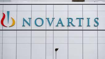 Novartis hat im zweiten Quartal bei den Umsätzen erneut von seinen Zugpferden profitiert: Etwa dem Herzmittel Entresto und dem Schuppenflechtemittel Cosentyx.