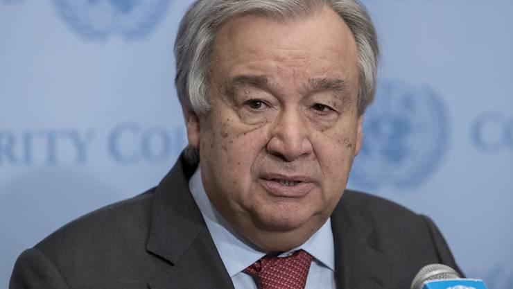 ARCHIV - UN-Generalsekretär Antonio Guterres spricht während einer Pressekonferenz. Guterres hat zu deutlich stärkeren Anstrenungen im Kampf gegen die Klimakrise aufgerufen. Foto: Mark Garten/UN/dpa - ACHTUNG: Nur zur redaktionellen Verwendung und nur mit vollständiger Nennung des vorstehenden Credits