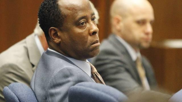 Eine unsichtbare Schlinge scheint sich im Gerichtssaal um Conrad Murrays Hals zu ziehen