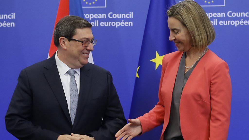 EU-Aussenbeauftragte Federica Mogherini empfängt in Brüssel Kubas Aussenminister Bruno Rodriguez: Die Union und Kuba wollen den Dialog stärken.