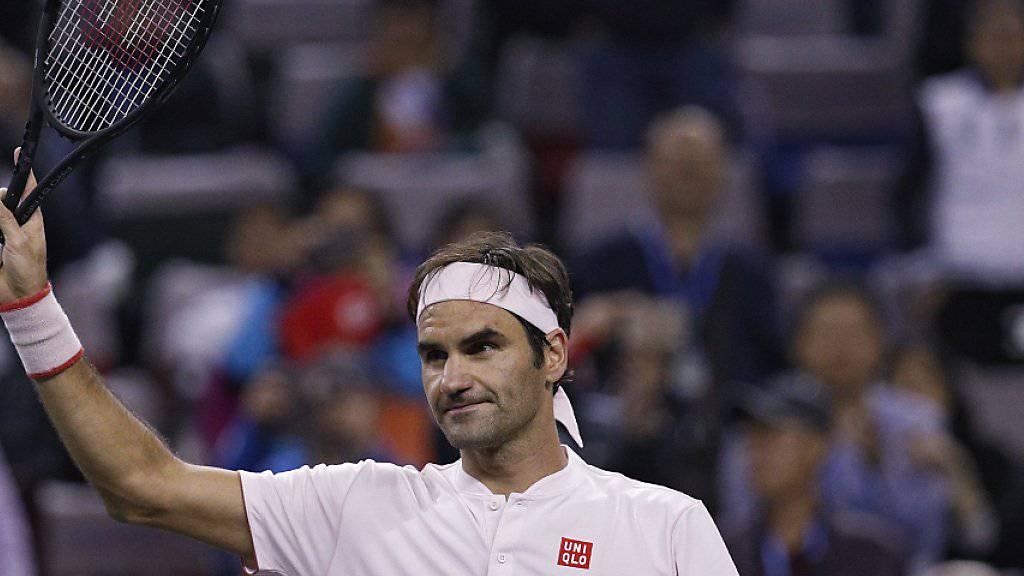 Roger Federer darf sich in Schanghai von den Fans nach seinem Gala-Auftritt feiern lassen