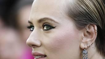 Hat sich im vergangenen Jahr eine goldene Nase verdient: Die 34-jährige Schauspielerin Scarlett Johansson verdiente innerhalb eines Jahres rund 56 Millionen Dollar. (Archivbild)