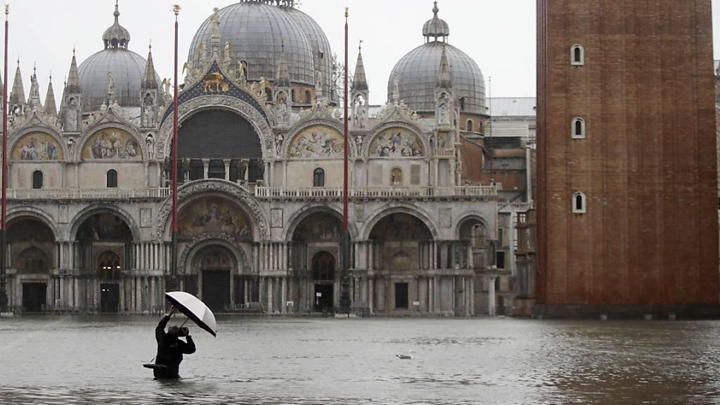 Hochwasser fordert zwei Todesopfer