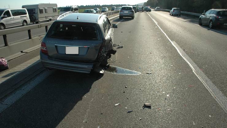 Unfall A1 bei Kestenholz mit fünf Fahrzeugen