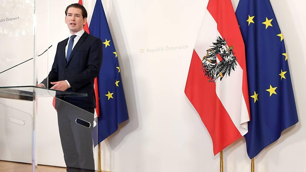 Österreichs Bundeskanzler Sebastian Kurz (ÖVP) steht nach einem Medienbericht über eine Personalie bei einem Staatskonzern in der Kritik. Foto: Roland Schlager/APA/dpa