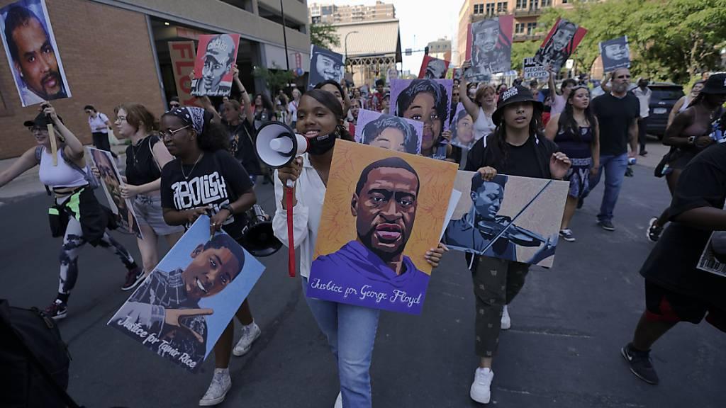 «Wendepunkt» in USA? 22 Jahre Haft für Ex-Polizist in Floyd-Prozess