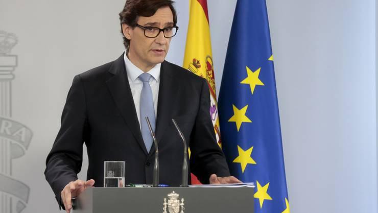 Salvador Illa, Gesundheitsminister von Spanien, spricht während einer Pressekonferenz. Foto: Moncloa/EUROPA PRESS/dpa