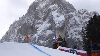 Carlo Jankas Knie hält den Belastungen der Piste in Val Gardena stand.