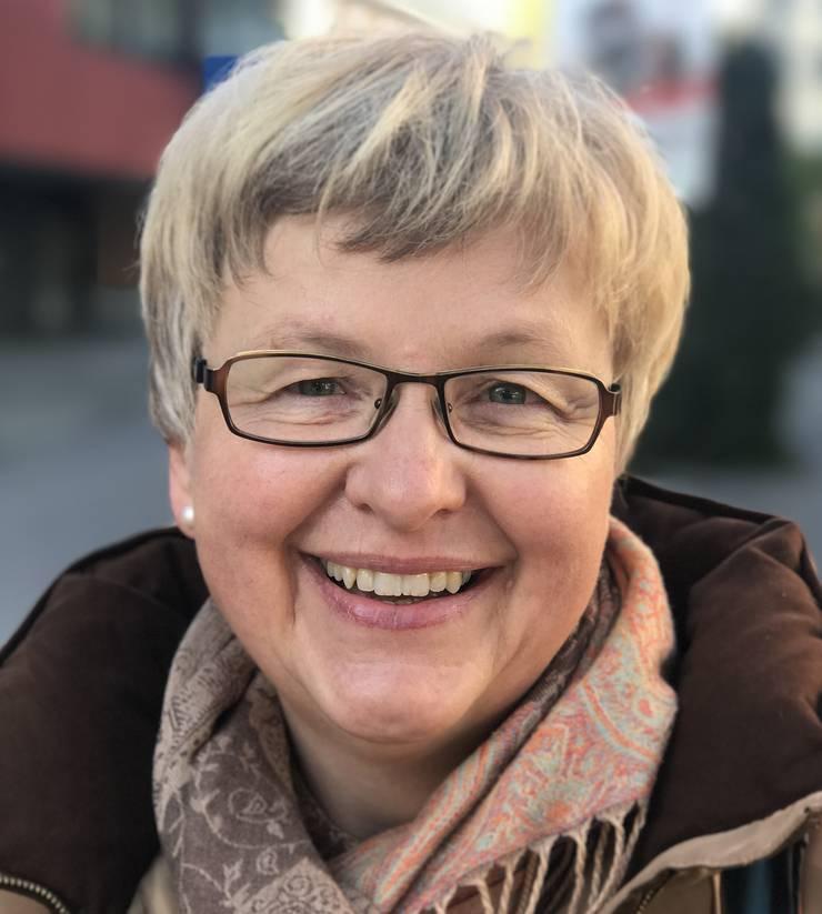 Luzia Vogt, 57, aus Grenchen hat noch nicht gewählt, aber vor, das noch zu tun. Und zwar Leute, die «handeln und nicht nur reden». Sie achte auf den Leistungsausweis der Kandidierenden. Ihr ist wichtig, dass die Demokratie gestärkt, die Umwelt geschützt und sparsam mit den Finanzen umgegangen wird. (at)
