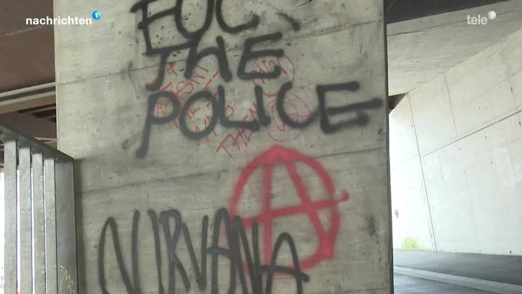 Einsatzteam entfernt illegale Graffitis in Luzern