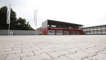 Die Fidis Finance AG holte Ende Mai über 60 Fahrzeuge ab. DIe Garage ist seither geschlossen und Besitzer Riccardo Santoro untergetaucht. (Bild: Pascal Meier)
