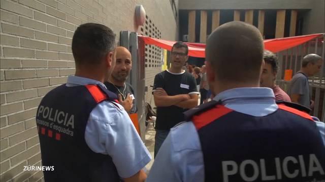 Spanische Polizei riegelt Wahllokale in Katalonien ab