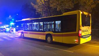 Bottmingen Linienbus Kollision mit Fussgänger