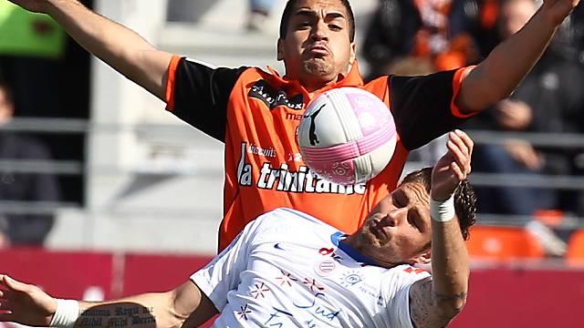 Pleite für Leader Montpellier (hier Giroud, vorn, gegen Lautoa)
