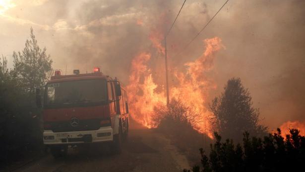 Waldbrände um Athen: Immer mehr Tote